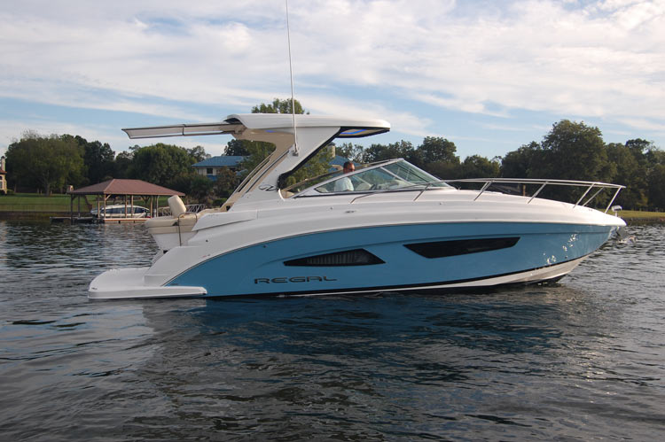 2019 Regal 33 Express Hardtop • Talley's Pier 77 Marine